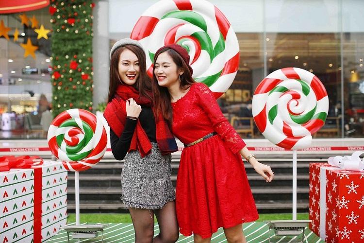 Đêm Noel sẽ đáng nhớ hơn khi nhận được những lời chúc từ bạn bè