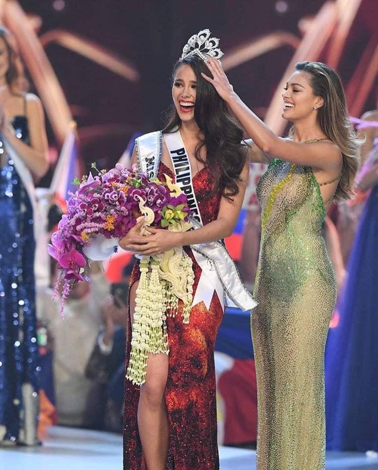 H'Hen Niê giơ cao cờ tổ quốc, chia sẻ xúc động khi lọt Top 5 Miss Universe 2018 - Ảnh 4