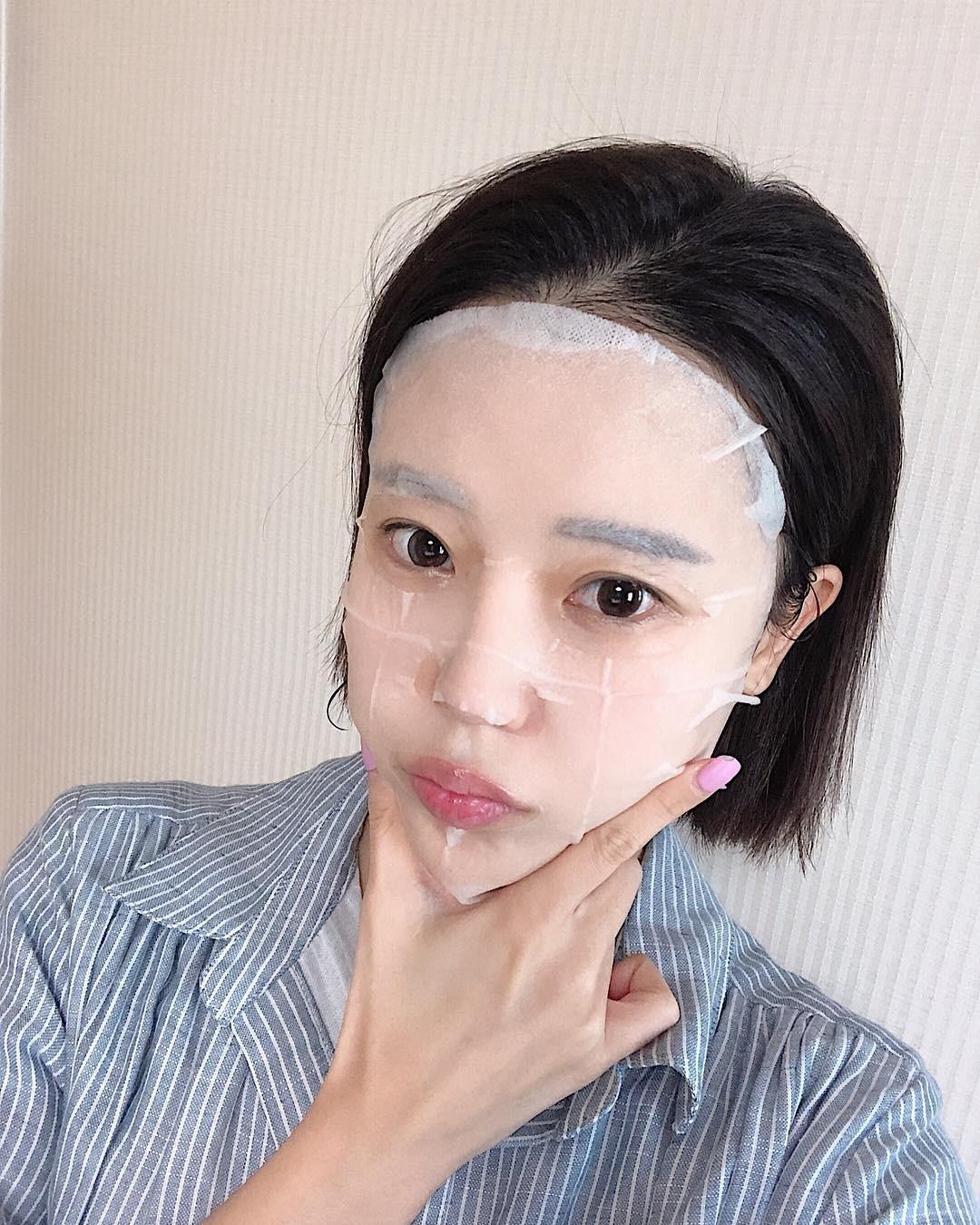 Mùa đông mà đắp mặt nạ theo cách này thì da không những không ẩm mượt mà còn nẻ toác - Ảnh 1