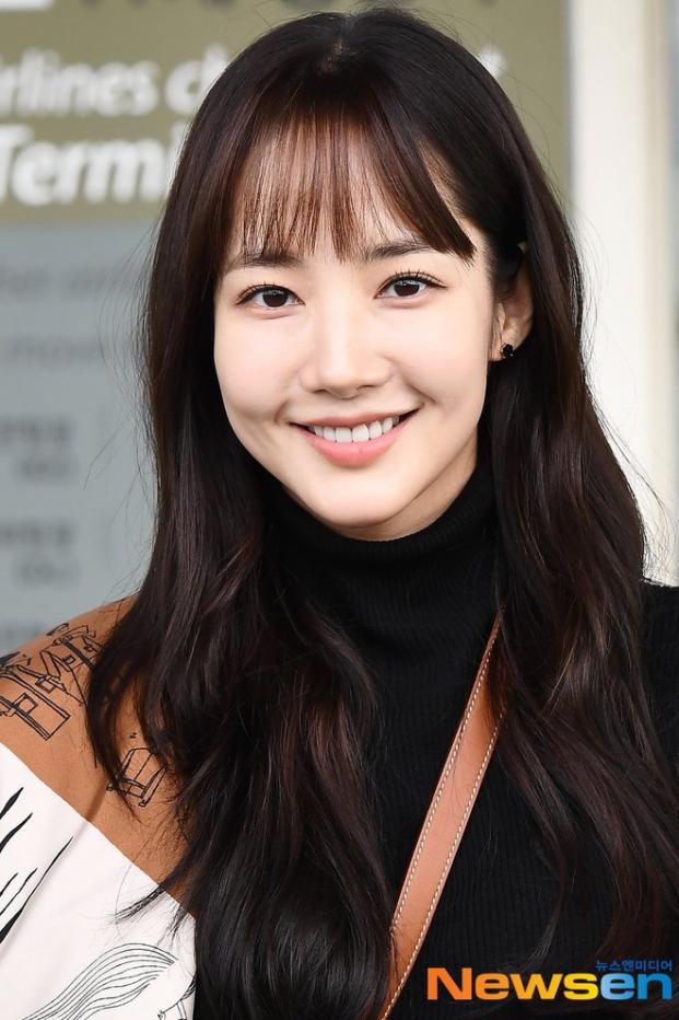 Park Min Young chia sẻ các bước trang điểm nhẹ nhàng, để da trắng đẹp tự nhiên - Ảnh 4