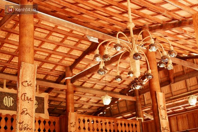 Căn nhà gần 6 tỷ đồng được làm từ 4.000 cây dừa của lão nông 80 tuổi gây ngỡ ngàng người dân miền Tây - Ảnh 5