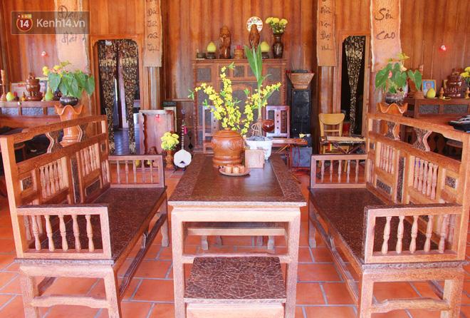 Căn nhà gần 6 tỷ đồng được làm từ 4.000 cây dừa của lão nông 80 tuổi gây ngỡ ngàng người dân miền Tây - Ảnh 10