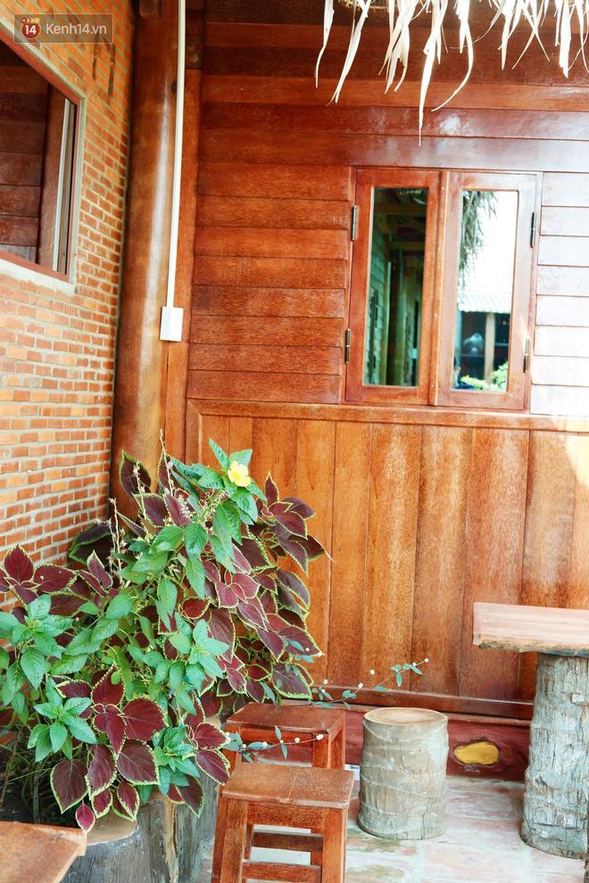 Căn nhà gần 6 tỷ đồng được làm từ 4.000 cây dừa của lão nông 80 tuổi gây ngỡ ngàng người dân miền Tây - Ảnh 16