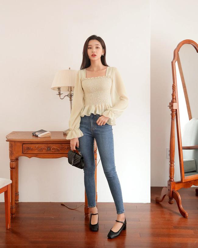 16 gợi ý diện áo blouse dài tay vừa đẹp vừa xinh, đảm bảo bạn sẽ muốn mặc mãi trong thời điểm giao mùa này - Ảnh 10
