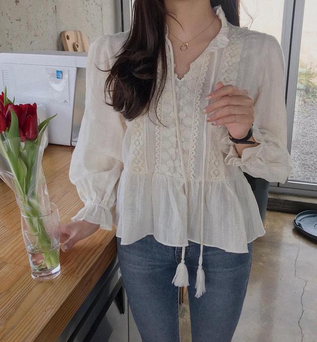 16 gợi ý diện áo blouse dài tay vừa đẹp vừa xinh, đảm bảo bạn sẽ muốn mặc mãi trong thời điểm giao mùa này - Ảnh 9