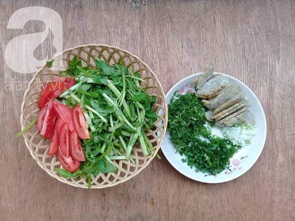 Với 3 nguyên liệu quen thuộc bạn có thể nấu được món canh lạ miệng ngon cơm - Ảnh 1