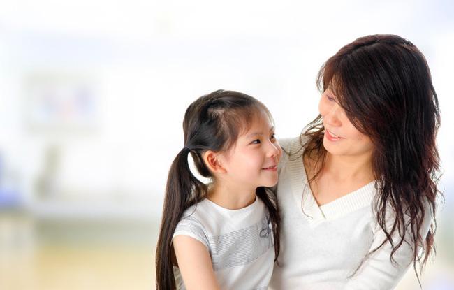 Con lúc nào cũng nói 'trả treo', cãi tay đôi lại? Cha mẹ hãy làm ngay theo lời khuyên này của chuyên gia để trị thói xấu đó của bé - Ảnh 5