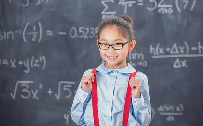 """Đầu năm """"học lỏm"""" ngay 5 phương pháp dạy con trở thành đứa trẻ tự tin của những ông bố bà mẹ thông thái - Ảnh 1"""