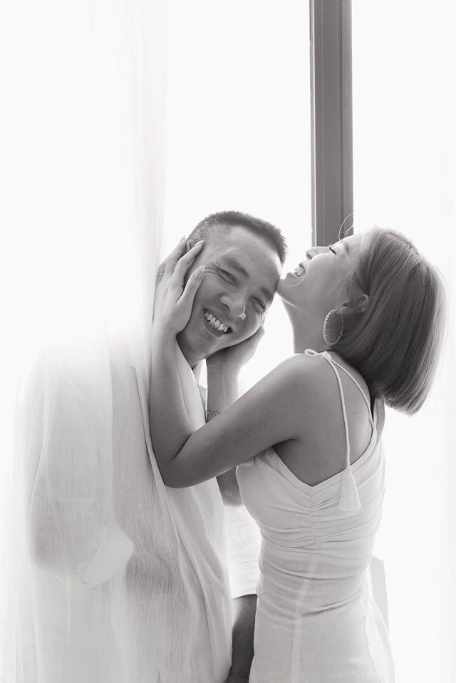 Làm vợ vừa xinh lại khéo như MC Hoàng Linh, trong lúc dằn mặt phụ nữ chuyên thả thính chồng, vẫn còn kịp khen ông xã có cách hành xử rất đẹp trong tình huống khó - Ảnh 2