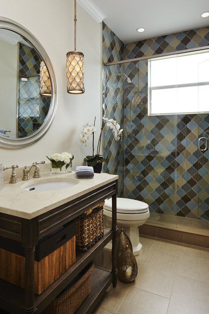 Phòng tắm gia đình sinh động thêm mấy phần nhờ lựa chọn loại gạch ốp này - Ảnh 9
