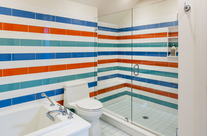 Phòng tắm gia đình sinh động thêm mấy phần nhờ lựa chọn loại gạch ốp này - Ảnh 12