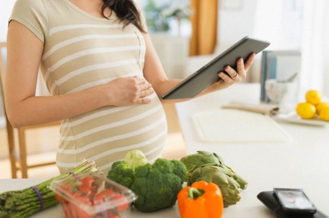 Bà bầu nên ăn rau gì trong 3 tháng đầu để hỗ trợ thai nhi phát triển ổn định? - Ảnh 6