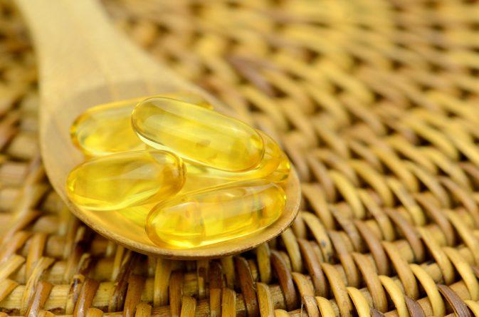 Sai lầm tai hại khi dùng khiến Vitamin E trở thành 'độc dược': Càng thoa da mặt càng xấu - Ảnh 1