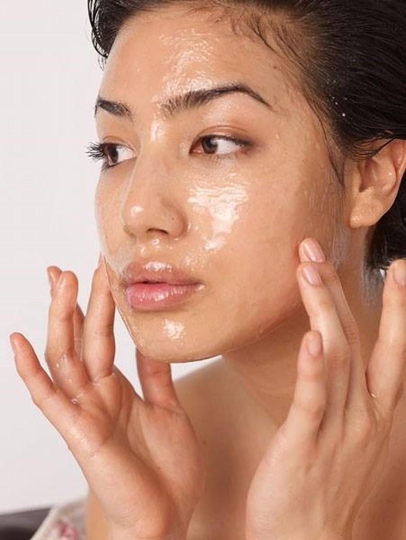 Dùng dầu dừa dưỡng da ban đêm theo cách này, tàn nhang chi chít khắp mặt cũng trị dứt cực nhanh | Phụ Nữ Sức Khỏe