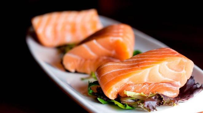 Nếu biết ăn cá 2 lần/tuần có tác dụng này đối với cơ thể chắc chắn bạn sẽ nhặt chúng vào giỏ mỗi khi đi chợ - Ảnh 3