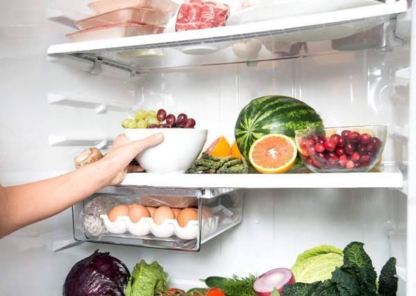 Bé trai 3 tuổi nguy kịch sau khi ăn miếng dưa hấu để trong tủ lạnh, khiến cả gia đình ôm hận - Ảnh 2