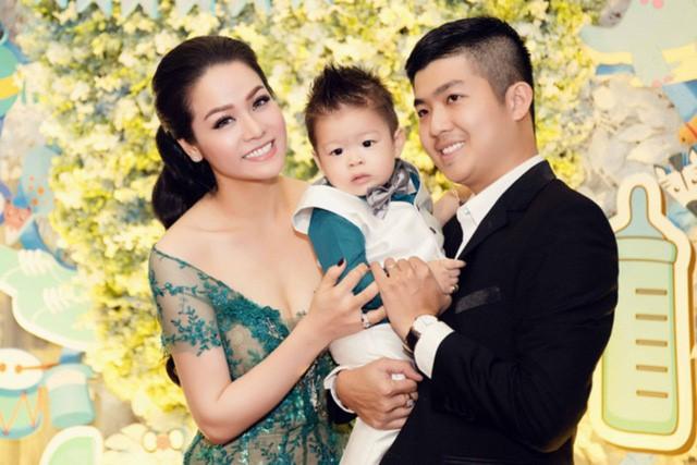 Bị chỉ trích bỏ bê con cái, Nhật Kim Anh cảnh cáo chồng cũ: 'Anh mà còn ép tôi, anh đừng trách tôi' - Ảnh 1