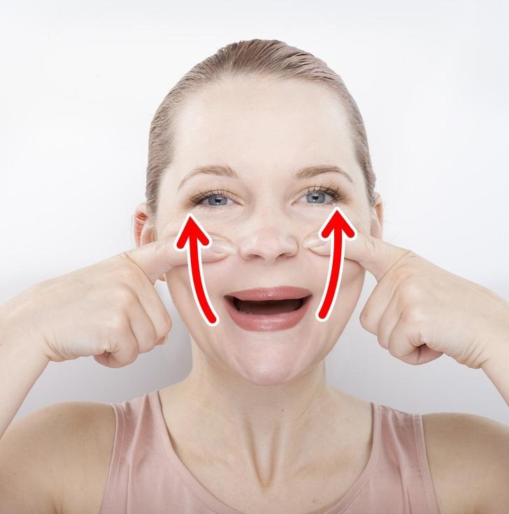 Các động tác đơn giản giúp khuôn mặt bạn trông thon gọn hơn rất nhiều sau vài ngày - Ảnh 4
