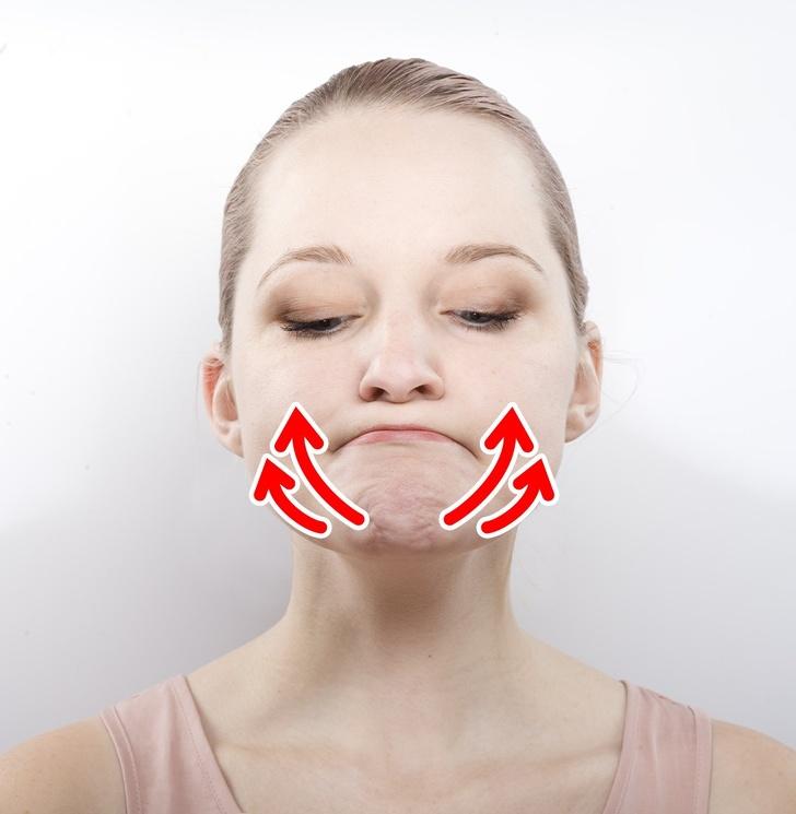 Các động tác đơn giản giúp khuôn mặt bạn trông thon gọn hơn rất nhiều sau vài ngày - Ảnh 6