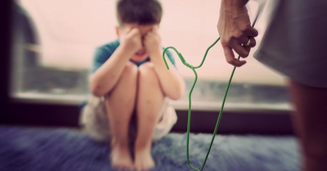 Chuyên gia tâm lý cho biết: Có 4 cách dạy dỗ trẻ bố mẹ cần nhớ thay vì đánh mắng khiến con kém cỏi - Ảnh 1
