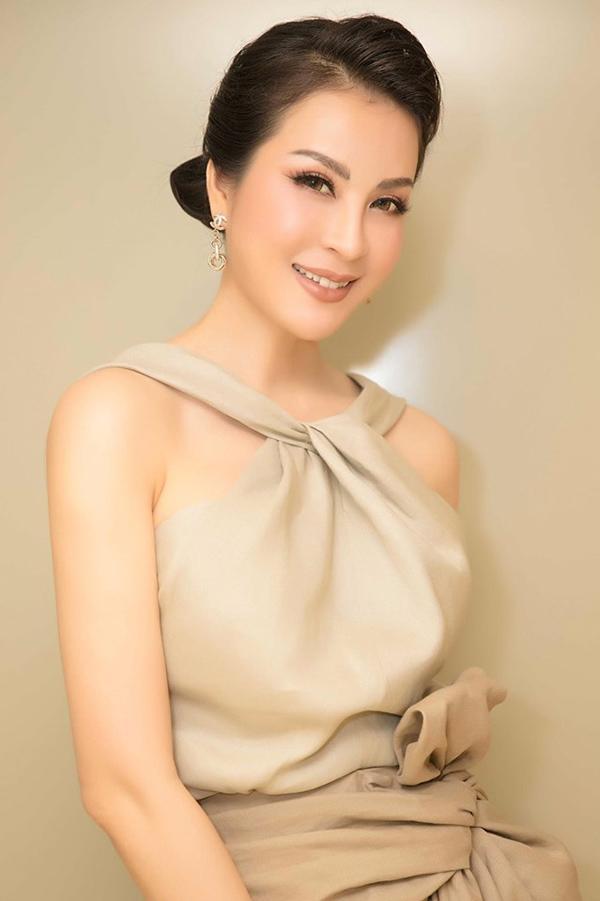 Ở ngưỡng tuổi xấp xỉ 50, Thanh Mai vẫn xuất sắc duy trì diện mạo trẻ trung, rạng ngời bằng cách này - Ảnh 2