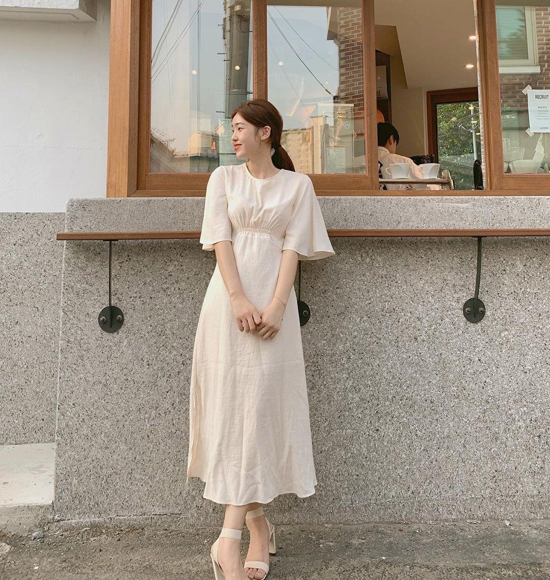 """4 mẫu váy đơn giản nhưng thừa độ sang chảnh, tinh tế giúp style của chị em """"sang trang"""" mới huy hoàng - Ảnh 2"""