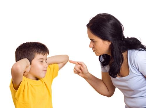 4 sai lầm khi nuôi dạy con cái mà nhiều người mắc phải khiến cho bé ngày càng xa cách bố mẹ - Ảnh 1