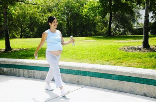 4 thói quen gây sảy thai: Mẹ bầu thương con cần phải tuyệt đối tránh xa - Ảnh 2