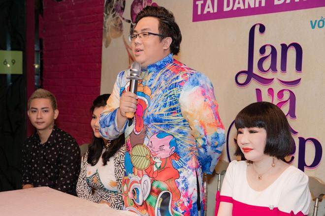 Hoài Lâm và bạn gái mặc áo đôi khi xuất hiện - Ảnh 3