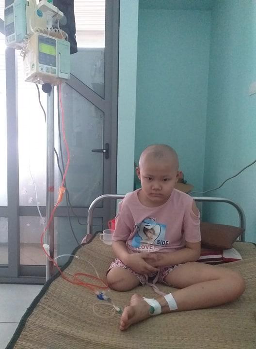 Lời khẩn cầu của bé gái 9 tuổi phải cắt bỏ chân vì căn bệnh hiểm nghèo: 'Cháu muốn giữ chân còn lại để tiếp tục đến trường' - Ảnh 4