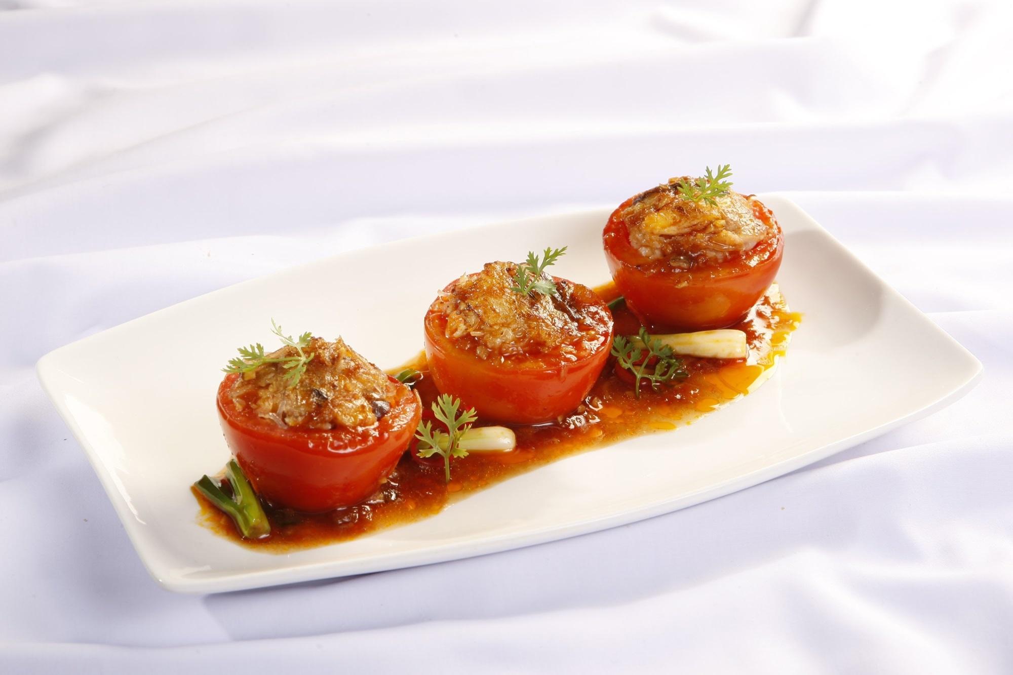 Cà chua nhồi đậu hũ chay: Món ăn không thể thiếu ngày rằm mồng 1 - Ảnh 2