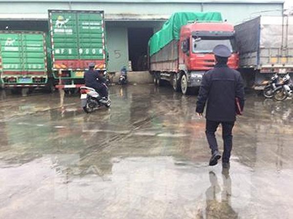 Sét đánh xe cẩu hàng cửa khẩu Hữu Nghị, hai công nhân thương vong - Ảnh 1