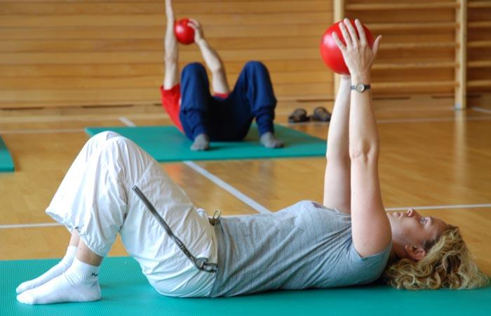 5 bài tập tại nhà giúp kích thước vòng ngực tăng lên 90cm, căng tròn, quyến rũ sau thời gian ngắn - Ảnh 3