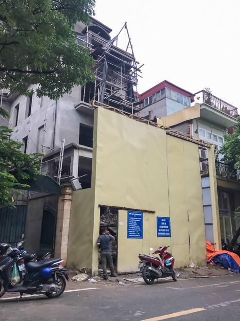 Đổ cho 'đất vàng' tiền tỷ, cao ốc trung tâm Hà Nội xây vượt mặt - Ảnh 3