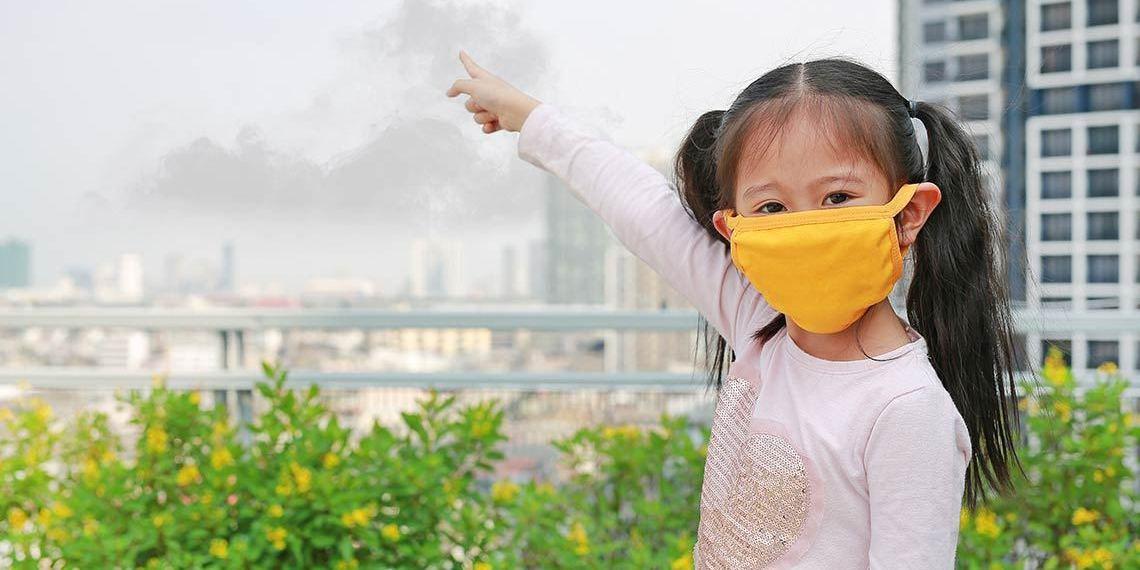 Hà Nội ô nhiễm không khí nghiêm trọng, đây là việc bố mẹ cần làm để bảo vệ hệ miễn dịch non nớt của trẻ - Ảnh 1
