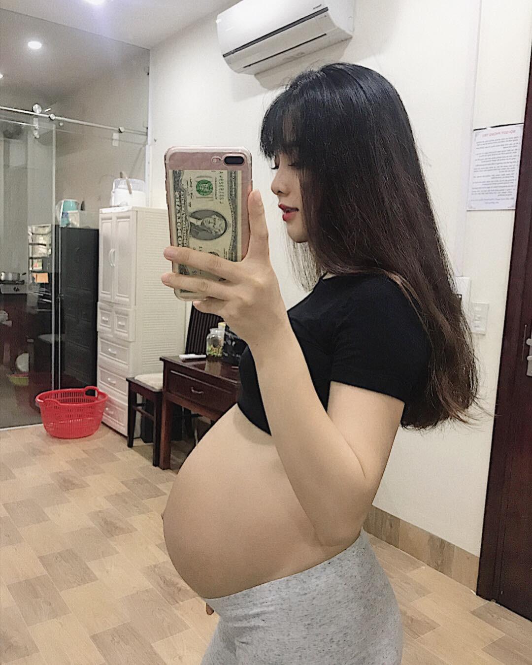 Mẹ bầu xinh như hot girl tiết lộ 2 thứ đồ ăn mỗi ngày để con tăng cân đều đặn mà mẹ vẫn thon gọn - Ảnh 2