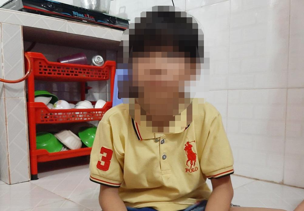 NÓNG: Bé gái 10 tuổi nghi bị nhóm thiếu niên xâm hại tại phòng trọ - Ảnh 1