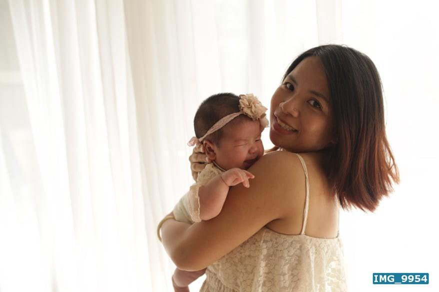 Nuôi con bằng sữa mẹ, bé gái Nghệ An 11 tháng nặng 20kg, mỗi tháng tăng 2kg - Ảnh 5