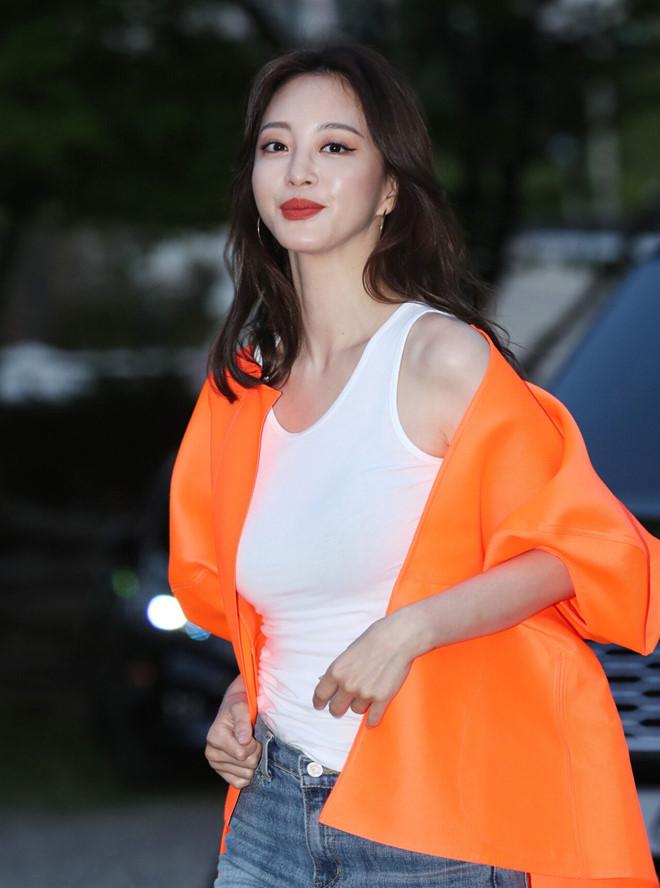 Sắc vóc của kiều nữ Hàn Quốc Han Ye Seul ở tuổi U40 - Ảnh 5