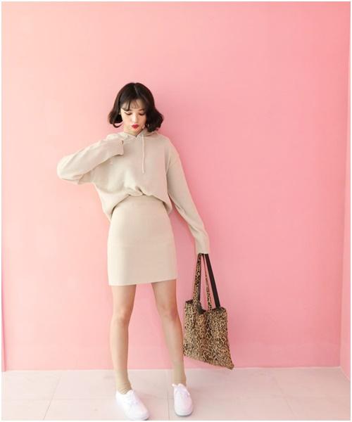 Áo len dáng rộng: Món đồ mặc đẹp vạn năng của nàng công sở - Ảnh 4
