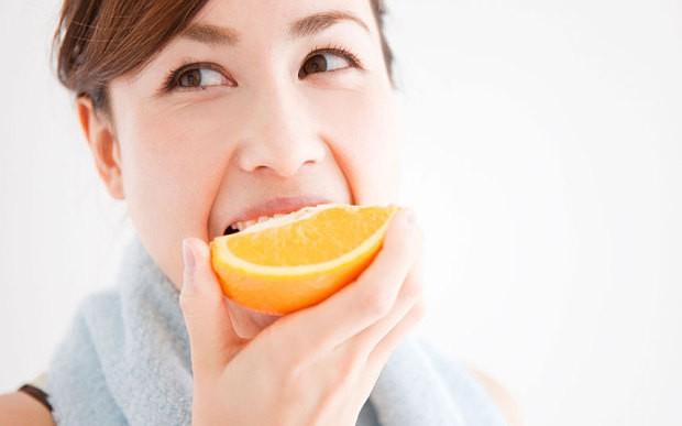 Muốn tránh ung thư, bệnh tim, mất trí nhớ và giảm nếp nhăn, hãy ăn loại trái cây được bán nhiều ở chợ này - Ảnh 2