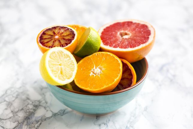 Muốn tránh ung thư, bệnh tim, mất trí nhớ và giảm nếp nhăn, hãy ăn loại trái cây được bán nhiều ở chợ này - Ảnh 3