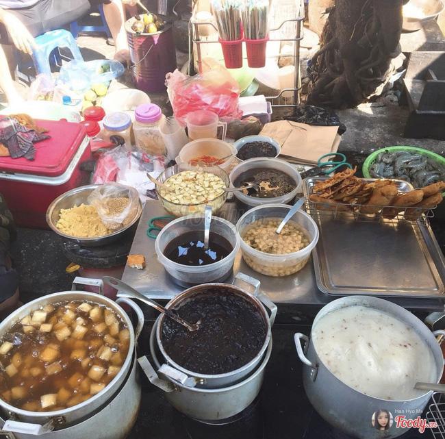 Lạnh rồi, rủ nhau đến những hàng bánh chuối ngon ở Hà Nội này ngay thôi, 1 hàng bánh 'tí hon' nhưng chất khỏi bàn - Ảnh 9