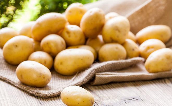 Biết được những tác dụng này của khoai tây, bạn sẽ chạy ngay ra chợ mua vài ký về luộc ăn - Ảnh 2