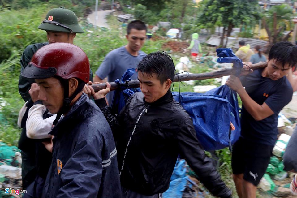 Hiện trường lũ cuốn, sạt lở làm 12 người tử vong ở Nha Trang - Ảnh 8