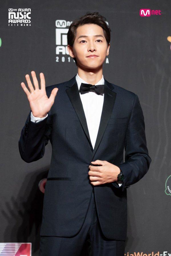 Fan bất an vì phát hiện cả Song Joong Ki và Song Hye Kyo đều không làm điều này sau hơn 1 năm kết hôn - Ảnh 3