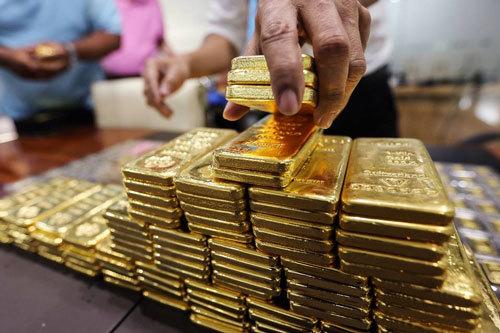 Giá vàng hôm nay 19/12: Thời điểm nhạy cảm, USD giảm, vàng tăng vọt - Ảnh 1