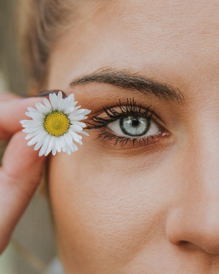 Cách xóa quầng thâm mắt hiệu quả giúp gương mặt toả sáng trong mùa Tết - Ảnh 6