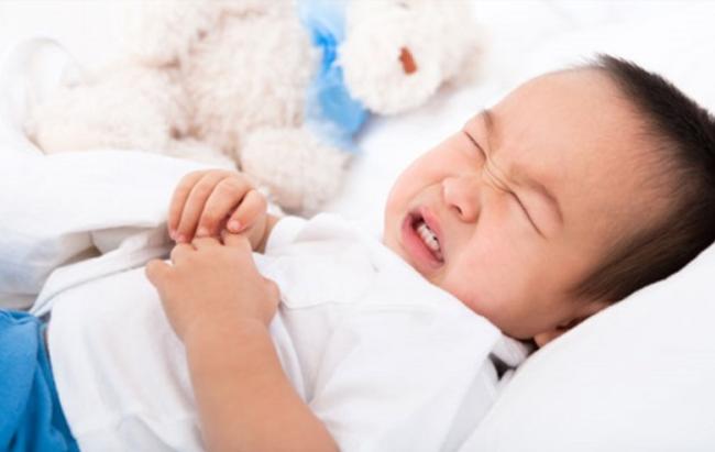 Dẹp tan chướng bụng, đầy hơi cho bé với 8 cách hiệu quả, bố mẹ có con nhỏ nên biết rõ - Ảnh 1