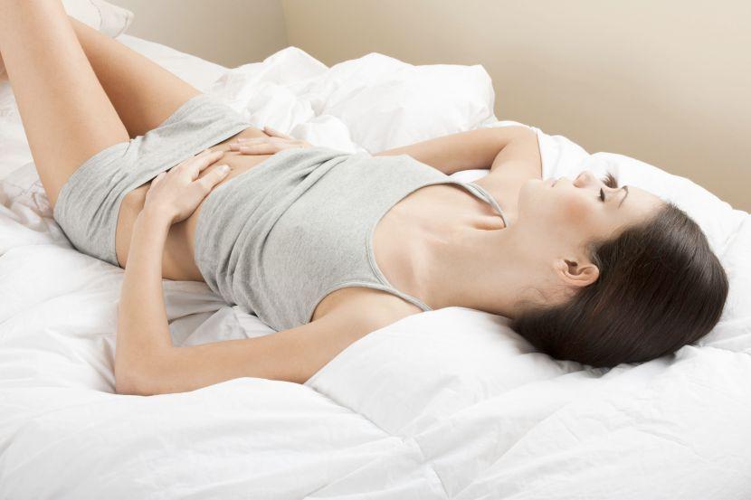 Những biểu hiện cảnh báo bệnh u nang buồng trứng mà con gái không nên chủ quan bỏ qua - Ảnh 1